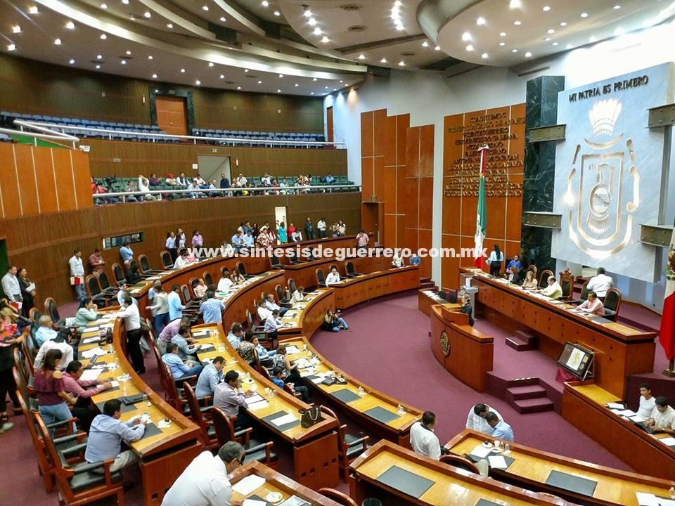 Presenta el grupo parlamentario de Movimiento Ciudadano reformas al Registro Civil