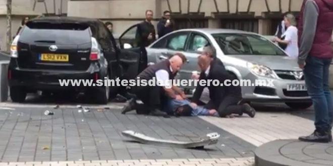 Varios heridos por un atropello cerca del Museo de Historia Natural de Londres