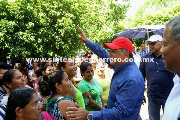 Astudillo Flores, constata el restablecimiento del sistema de agua potable en San Marcos