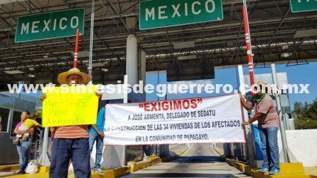 Damnificados y trabajadores del Fonden toman caseta de la Autopista del Sol en Palo Blanco