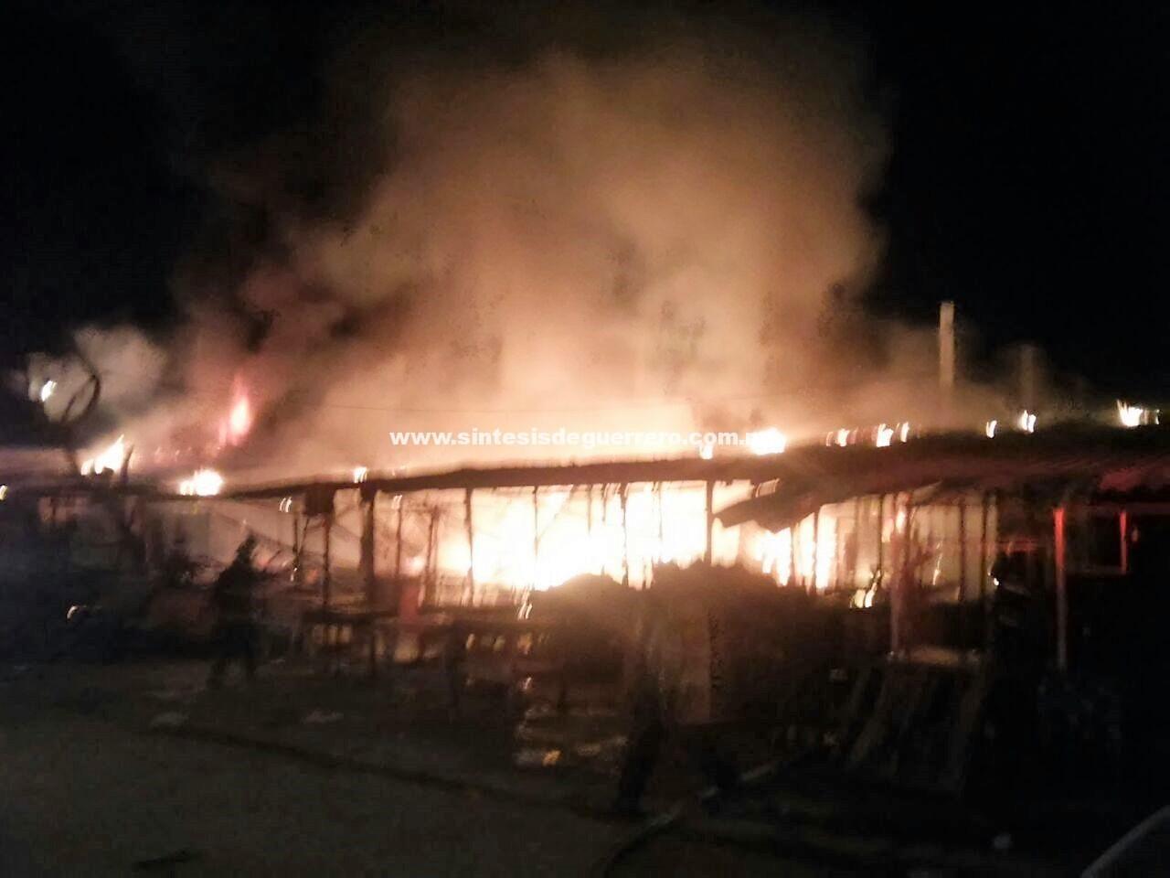 Locales quemados, persecuciones, balaceras y un ejecutado en menos de una hora en Acapulco