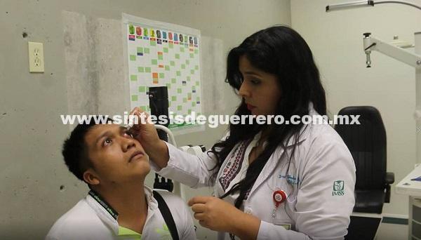 Alerta IMSS sobre daños oculares por uso excesivo de dispositivos electrónicos