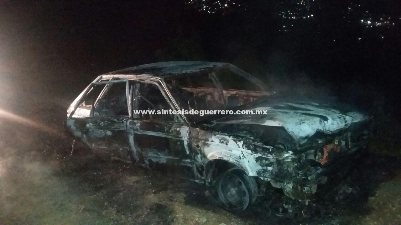 Calcinan a otro hombre dentro de un vehículo, en Chilapa de Álvarez