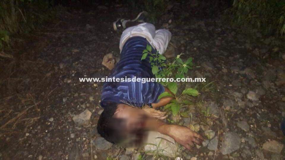 Asesinan a taxista en Petatlán, y a dos hombres más en Zihuatanejo