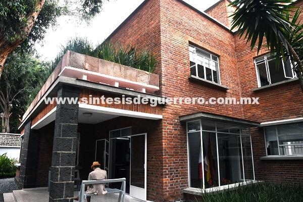 Entrega de la Casa Luis Buñuel a México