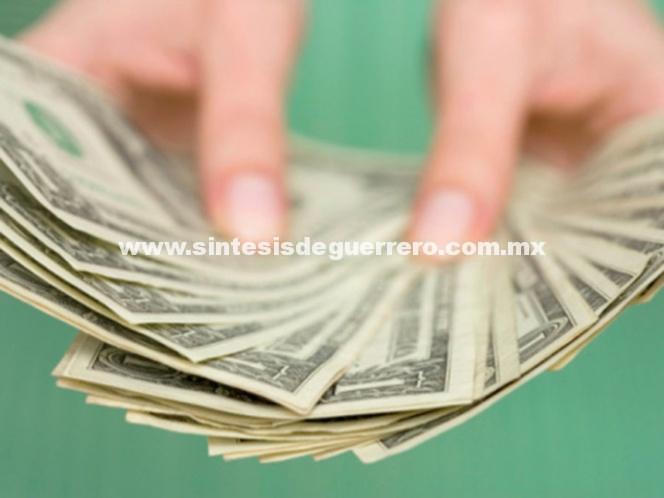 Sube el dólar a 18.95 pesos a la venta ante incertidumbre por TLCAN