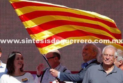 Conjura independentista no destruirá unidad de España: Vargas Llosa