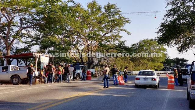 Comunitarios de la UPOEG agreden a reportera en Marquelia, Guerrero