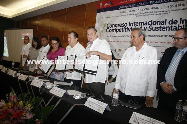 Fortalece Astudillo al sector juvenil; firman convenio la Secretaría de Turismo y la UAGro