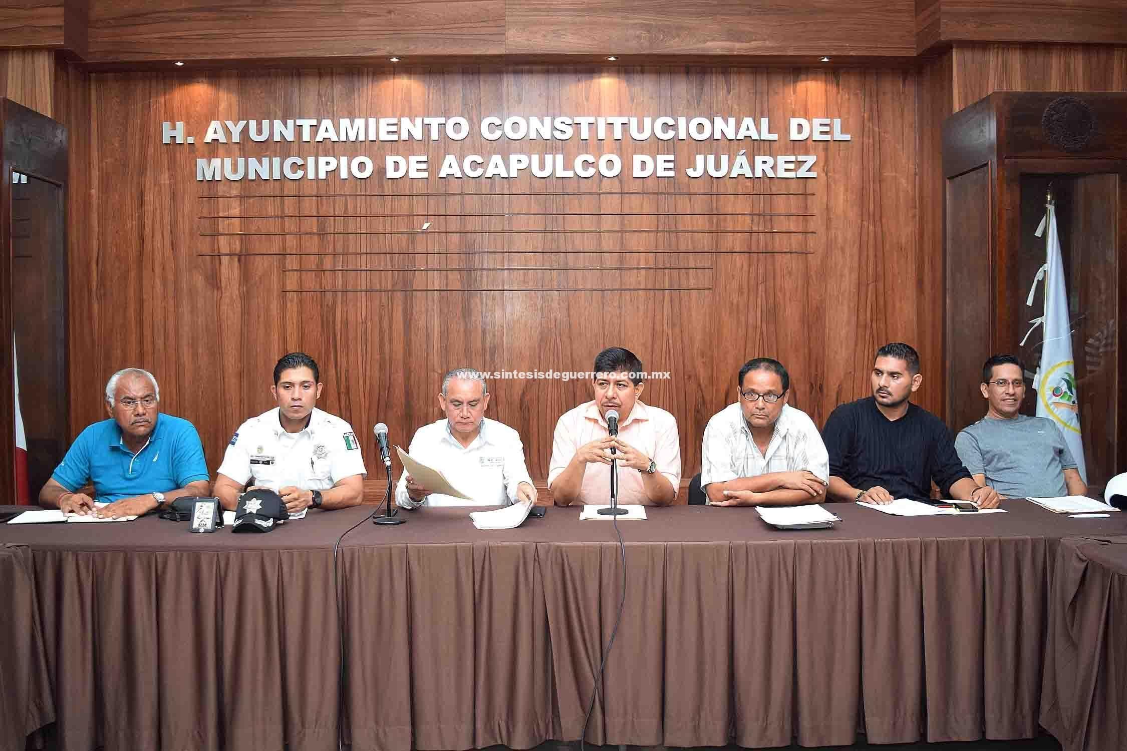 Encabeza Daniel Meza reunión con escuelas que participarán en desfile del 20 de noviembre