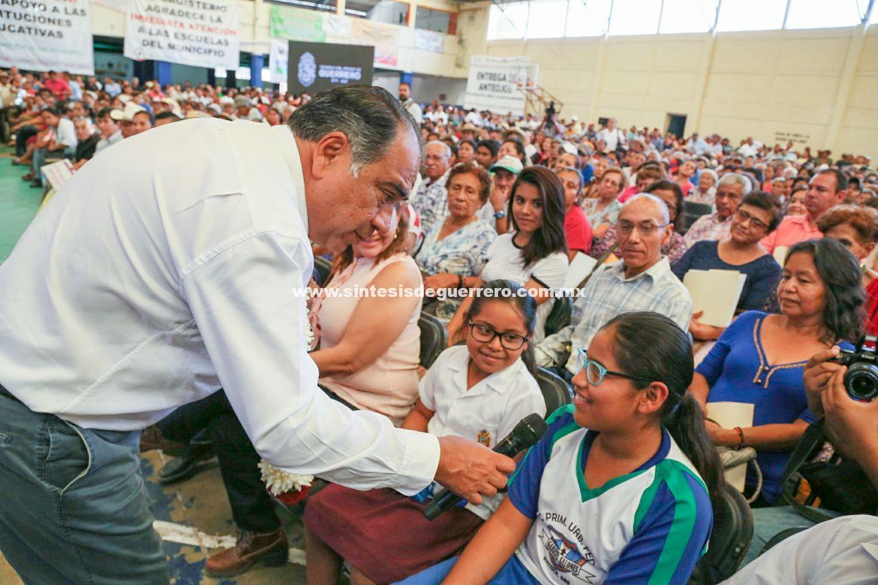 Visita por 5ta ocasión Astudillo Flores Huitzuco, para entregar apoyos y obras tras el 19S