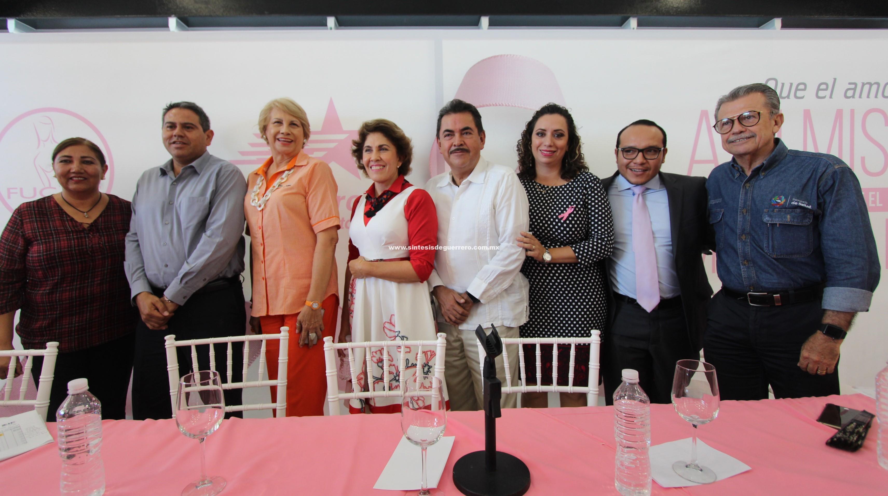 """Inaugura presidenta del DIF Guerrero, Mercedes Calvo, """"Caravana Rosa"""" para brindar mastlgrafías"""