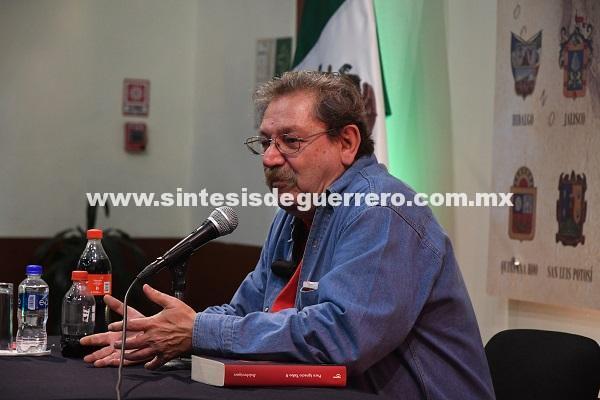 Paco Ignacio Taibo II reflexionó sobre las revoluciones de Rusia y México