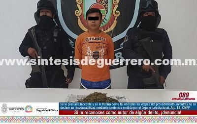 Aseguran Policías Estatales en crucero de Tlacoachistlahuaca a masculino en posesión de presunta marihuana