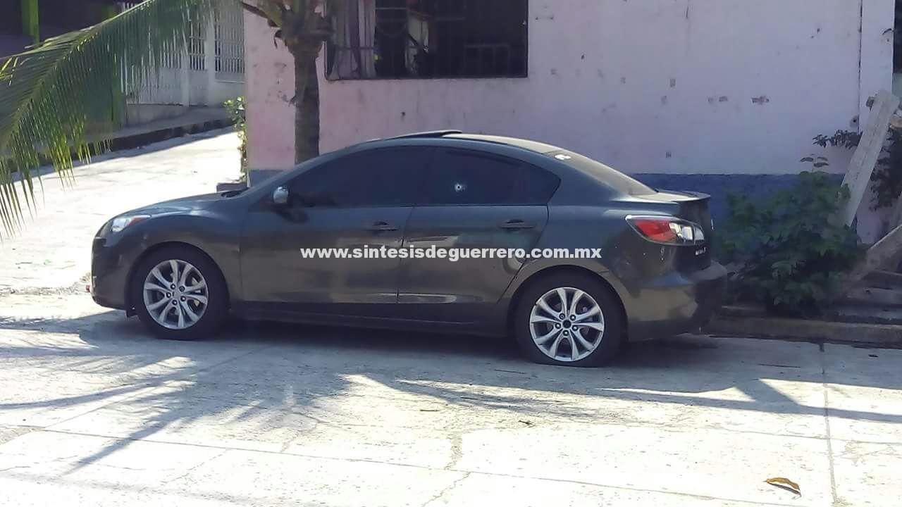 Civiles dispararon contra vehículo estacionado en colonia de Zihuatanejo
