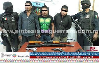 Libera Policía Estatal, en Metlatónoc a fémina privada de su libertad y asegura a tres masculinos