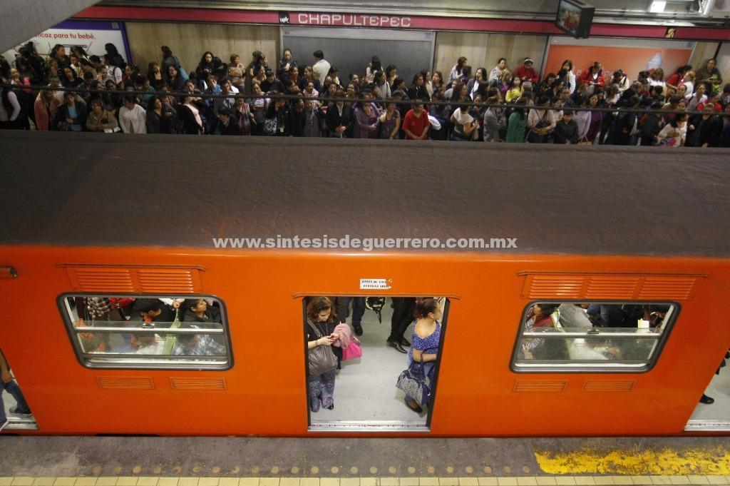 Transporte público, con horario de día festivo el 31 y primero
