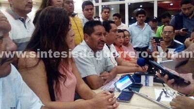 Renuncia Sebastian de la Rosa, a la precandidatura del PRD al senado