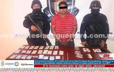 Policía Estatal aseguró en Acapulco a masculino probablemente relacionado con el delito de robo