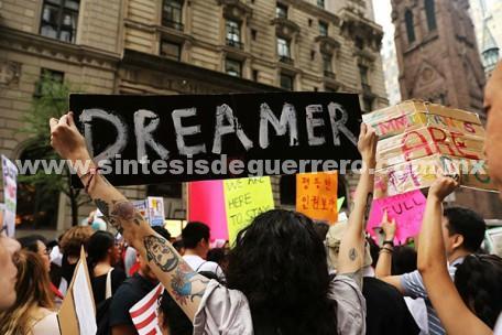 Trump y EPN sólo usan y abusan a los dreamers