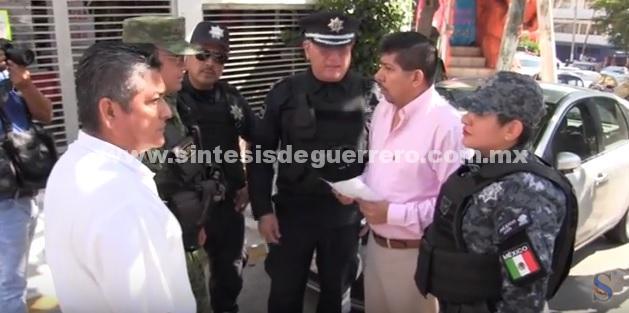 (Video) Supervisa Daniel Meza punto de revisión aleatorio del Grupo de Coordinación Acapulco