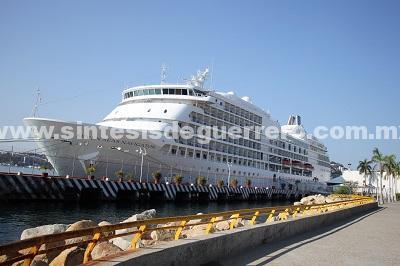 """(Video) Da la bienvenida gobierno de Acapulco al """"Seven Seas Navigator"""""""
