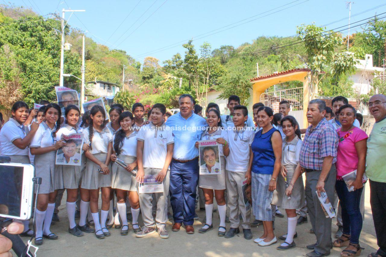 Generar las condiciones para estar bien, ofrece Víctor Aguirre Alcaide a colonos de Acapulco