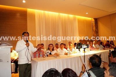 Afianza Sebastián de la Rosa su candidatura para el Senado