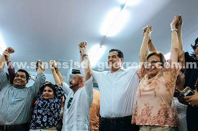Se registra como precandidato a la alcaldía de Acapulco Ricardo Mejía Berdeja por Movimiento Ciudadano