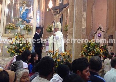 Policías y políticos enemigos de la ciudadanía: Obispo