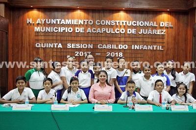 (Video) Participa Perla Edith Martínez en sesión del décimo quinto Cabildo Infantil