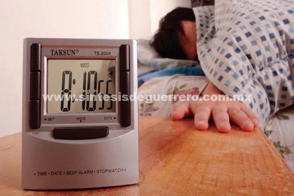 Casi 30% de mexicanos sufre restricción del sueño