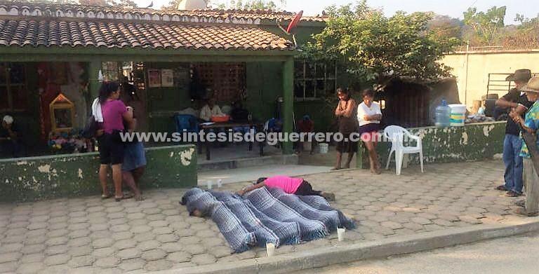 """""""Suástegui los fusiló"""": familiares de las víctimas de la masacre en Cacahuatepec"""