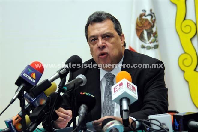 Declina Aguirre buscar diputación