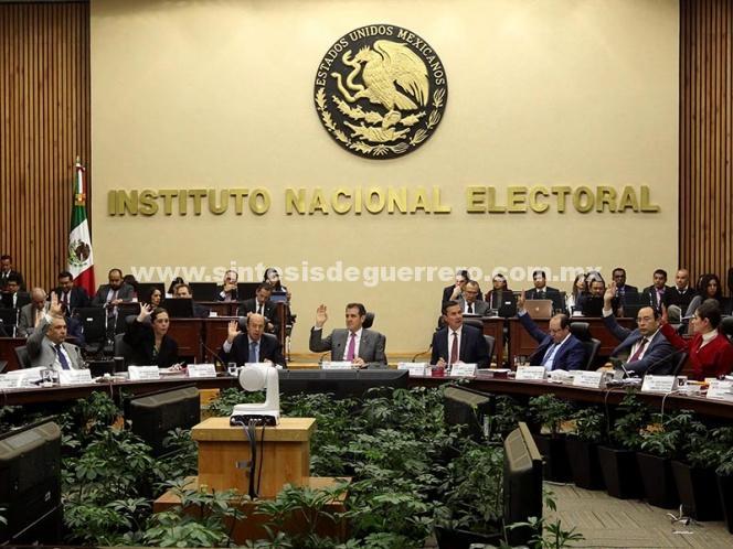 Investiga INE a independientes por compra ilegal de firmas