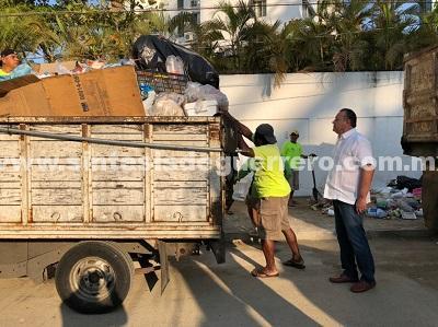 Recolecta el gobierno del estado los desechos en la zona turística para no causar mala imagen