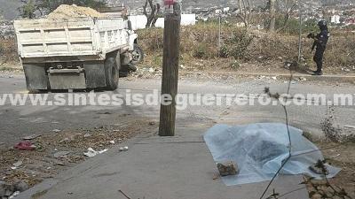 Muere niña aplastada por un camión en Chilpancingo