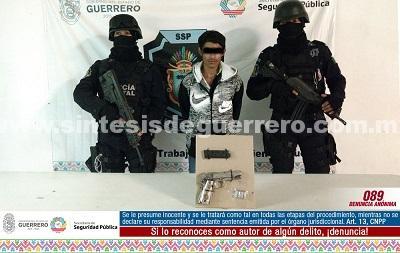"""Asegura Policía Estatal del GTRI """"Centauro"""" en Taxco a masculino en portación de arma de fuego de uso exclusivo de las fuerzas armadas"""