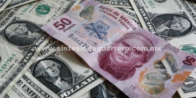 El peso por fin 'le saca ventaja' al dólar después de 4 años