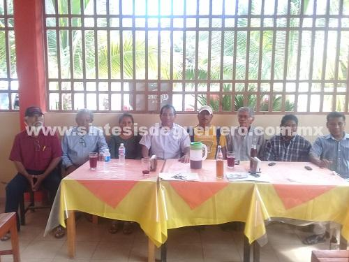 Solicitan militantes de MORENA de Ayutla elección para designación de candidato a diputado