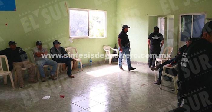 LIberan a policías retenidos en Tecoanapa