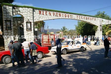 Retienen a policías de la Ciudad de México en Tecoanapa, Guerrero