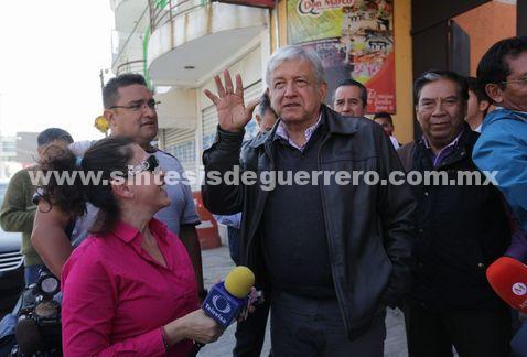 """Desbandada en PRI y PAN; """"son bienvenidos"""": AMLO"""