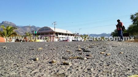 Ardillos y UPOEG siembran terror en Buenavista, Chilpancingo; se enfrentaron una hora