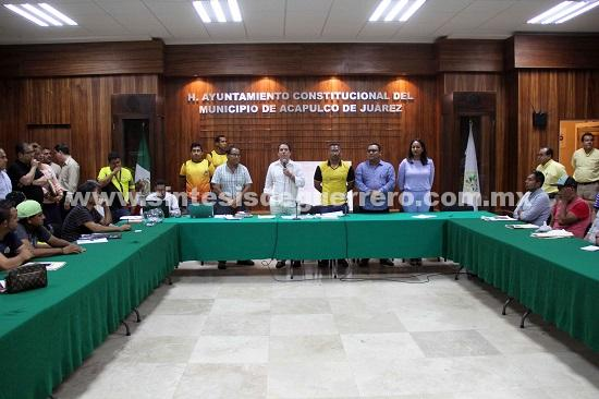 """(Video) Realizan sorteo del Torneo de Barrios """"Copa Presidente 2018"""""""