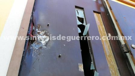 Cateo de la PGR en exclusiva colonia de Chilpancingo arroja diez detenidos