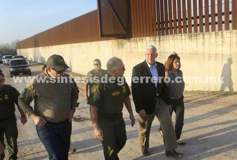 Mike Pence recorre tramo de la frontera entre México y EU