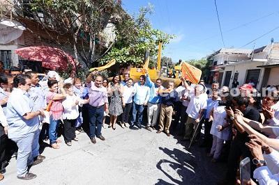 (Video) Arrancan obras de rehabilitación de calles en Iguala; Da el gobernador Héctor Astudillo el banderazo