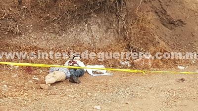 Dejan a dos hombres ejecutados en Ahuacuotzingo