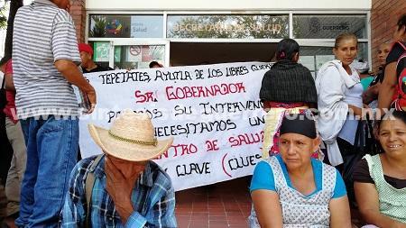 Más de cuatro mil habitantes en Ayutla sin servicios médicos; protestan en Chilpancingo